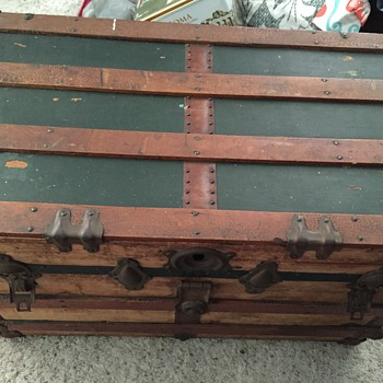 Help dating my grandmothers trunk - Furniture