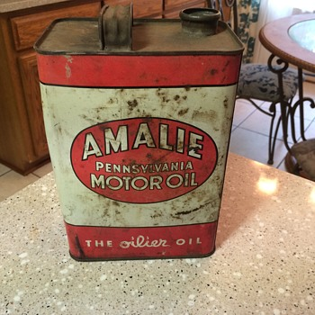1952 AMALIE MOTOR OIL can - Petroliana