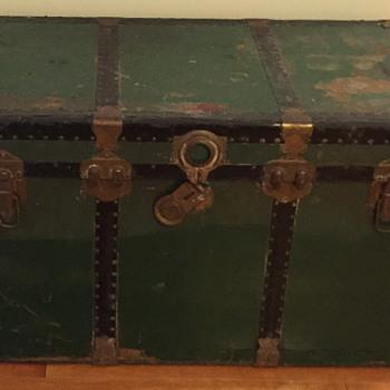 Langmuir luggage made in Canada. - Furniture