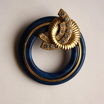 An interesting brooch in art deco style - Costume Jewelry