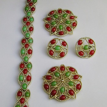 Sarah Coventry Brooch Set - Acapulco - Costume Jewelry
