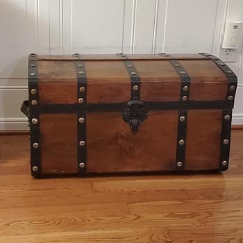 Jenny Lind trunck - Furniture