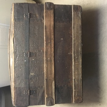 Need Help Identifying old trunk - Furniture