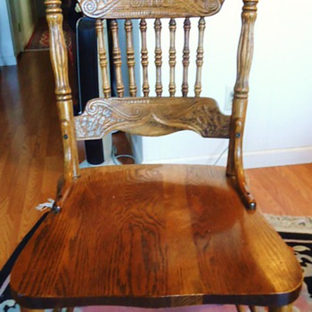 Oak chairs for my oak table,  how old? - Furniture