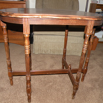6 leg table with inlaid oval top