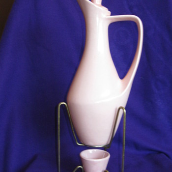 Wine, oil or water urn - China and Dinnerware