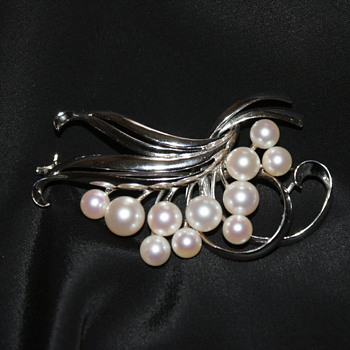 Vintage Mikimoto Pearls Sterling Brooch - Fine Jewelry