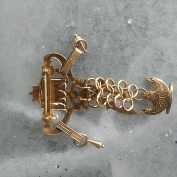 old vintage jewlery - Costume Jewelry