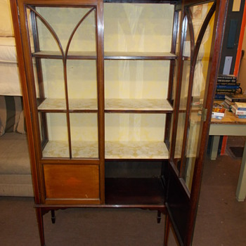 Elegant display cabinet - Furniture