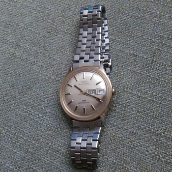 Neat old Timex automatic day date watch