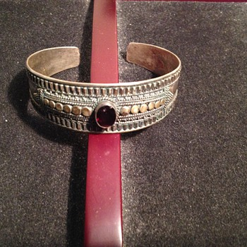 Antique detailed silver ladies bracelet marked 925