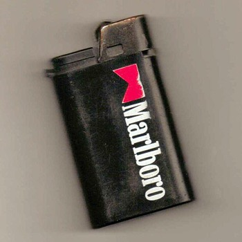 """Marlboro"" Disposable Lighter - Tobacciana"