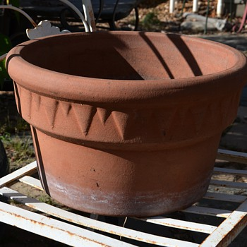 One of my favorite planters! - Pottery