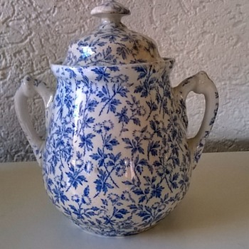 1884 Wedgwood Sugar Pot Thrift Shop Find $2.95 - Victorian Era