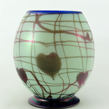 Fenton 3013 Hanging Hearts Hanging Vine Off Hand Vase ca. 1925-26 - Art Glass
