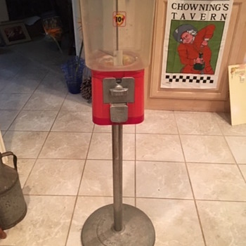 Acorn Gumball Machine - Coin Operated