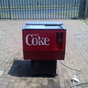 Coke chest fridge - Coca-Cola