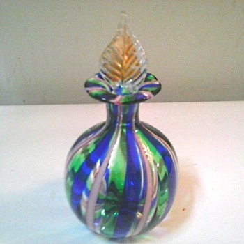 Little Murano Perfume Bottle With Gold Leaf Stopper / Circa 20th Century - Art Glass