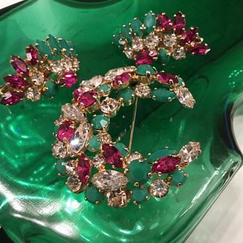 SHERMAN CRESENT BROOCH & FAN EARRINGS - Costume Jewelry