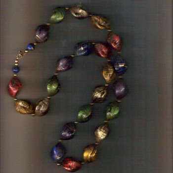 NECKLACE OF BEADED GLASS (PERHAPS) VERY PRETTY -BOUGHT IT AT A FAIR YRS AGO - Costume Jewelry