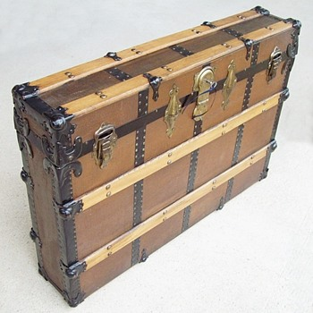 Unusual Narrow canvas covered trunk..a mystery.. Display trunk?