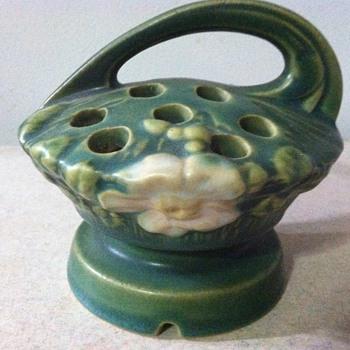 Roseville White Rosé Flower Frog - 1930's - Pottery