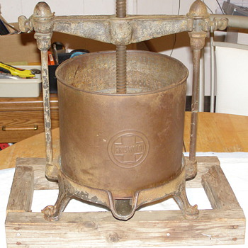 GRISWOLD WINE PRESS NO.10 - Kitchen