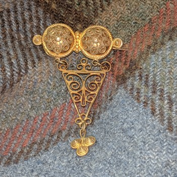 Another mysterious Solje brooch - Fine Jewelry