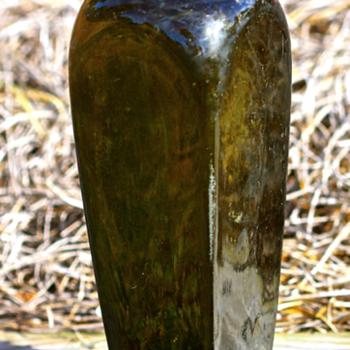 ---- 1880's Gin Bottle ---- - Bottles