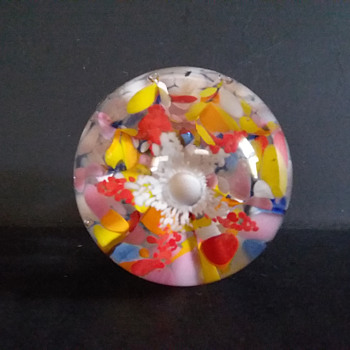 Mystery paperweight - Art Glass