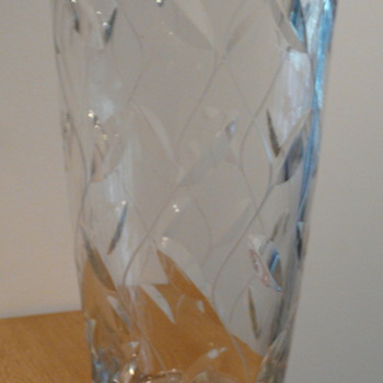 W. CLYNE FARQUHARSON - 'LEAF' - Art Glass