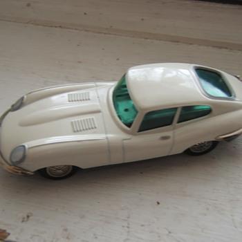 Schuco 1047/1 Key-wind Micro-racer Jaguar e-type - Model Cars