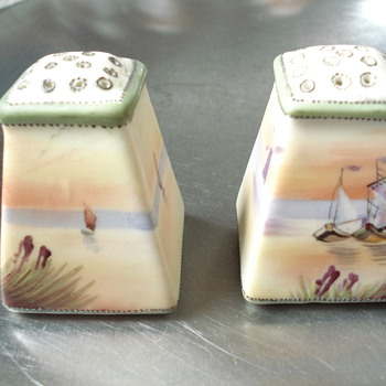 Salt and pepper shakers - Kitchen