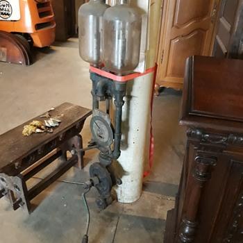 Gas pump? - Petroliana
