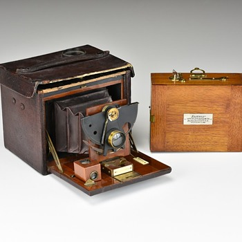 First Version No.4 Folding Kodak w/Sector Shutter & Matching Roll Film Holder. 1890 - Cameras