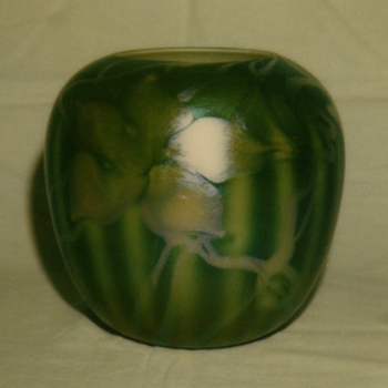 QUEZAL ART GLASS ROSEWATER VASE, circa 1905 - Art Glass