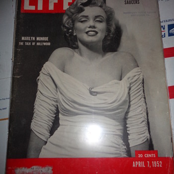 Marilyn Monroe April 7th,1952 magazine