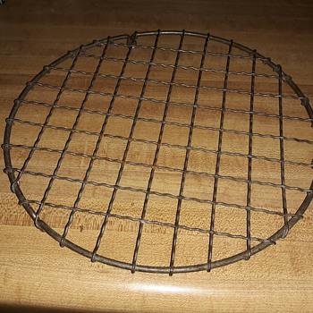 Vintage Wire Pot Holder Plus Find the Hidden Cat! - Kitchen
