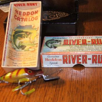 Heddon Spook ,Go-deeper River-Runt with a pristine vest catalog and Bass box. circa 47/48 brilliant piece - Fishing