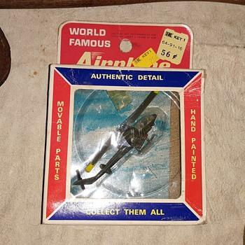 Bachmann Mini-Planes SS Kresge Version Huey Copter Circa Late 1960s - Toys