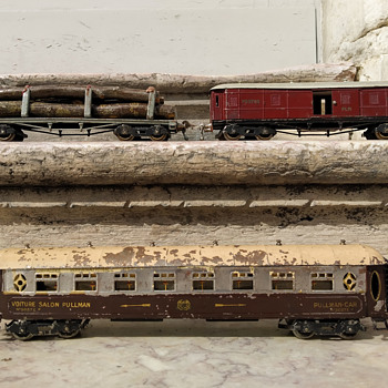 Louis Roussy 'O' Gauge Train Wagons  (France - 1920´s) - Model Trains