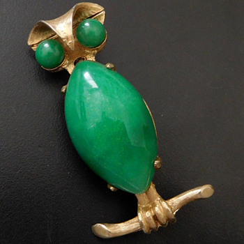 JADE OWL BROOCH, 70s-80s - Animals