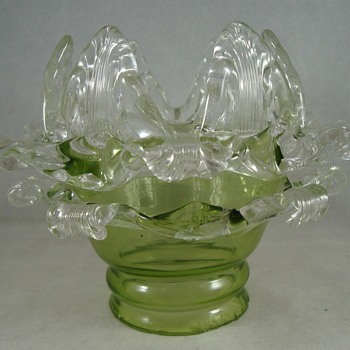 Early Loetz floriform shade ca. 1898 - Art Glass