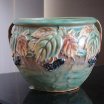 Roseville Blackberry - Pottery