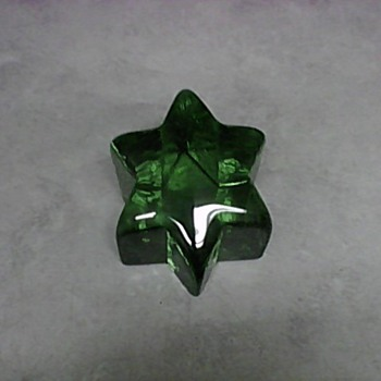 EMERALD GREEN 6 POINT STAR - Art Glass