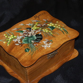 Vintage French Olive Wood Souvenir Box:  Hyeres - Furniture