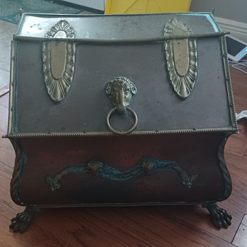 Not quite sure if this is considered a chest? - Furniture
