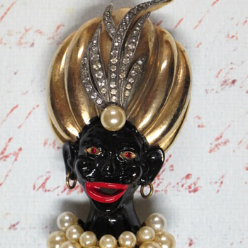 Vtg Unsigned Blackamoor Pin  - Costume Jewelry