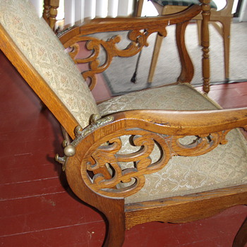 Recliner unknown age or  maker - Furniture