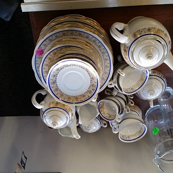 Identify of a Tea / Coffee Set - China and Dinnerware